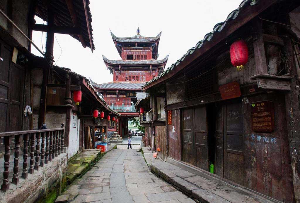 蓬安周子古镇、百牛渡江、中国绸都丝绸博物馆二日游